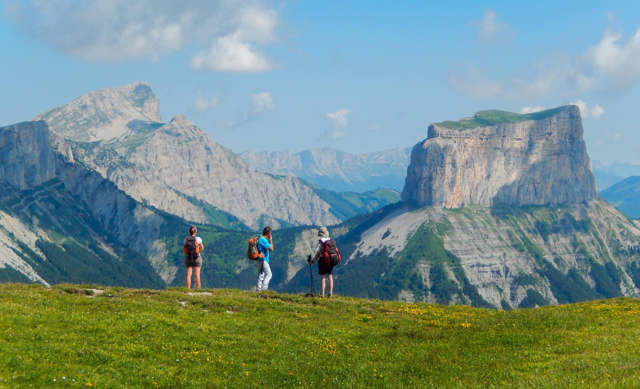 Randonnée dans le Vercors face au Mont Aiguille