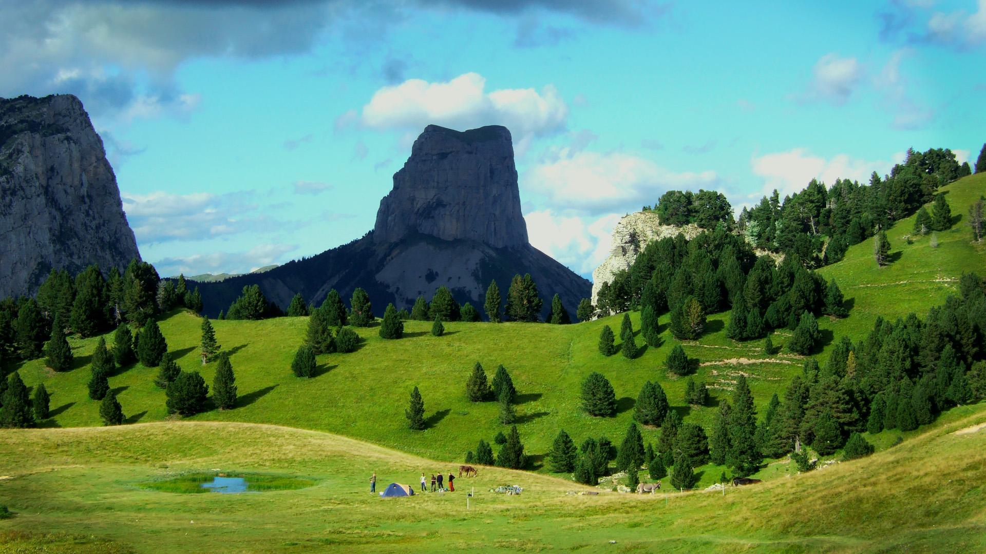 Le Mont Aiguille vu des Hauts-Plateaux du Vercors !