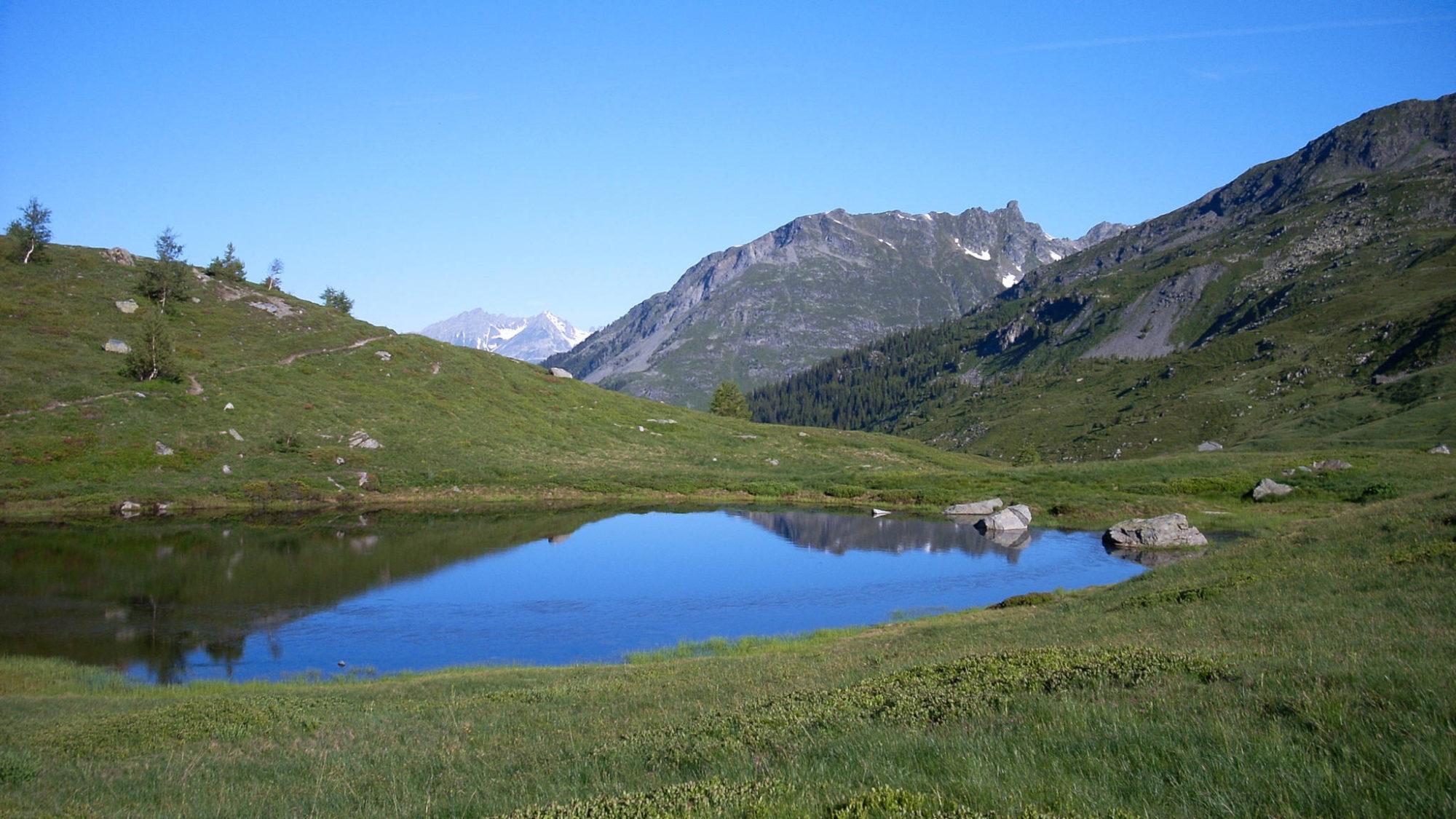 Le petit lac des Savonnes; vallon de la Motte