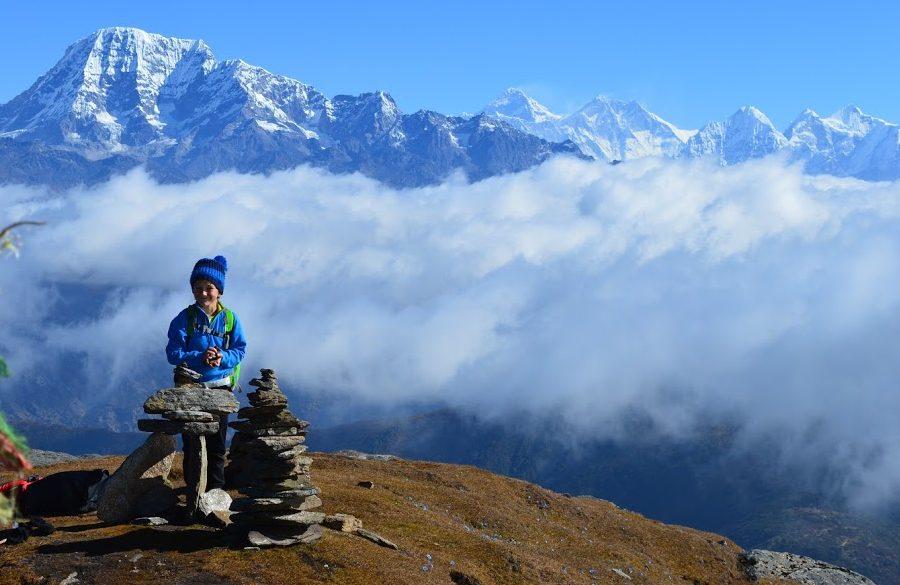 Un panorama incroyable sur le massif de l'Everest ! Trek au Solu en famille !