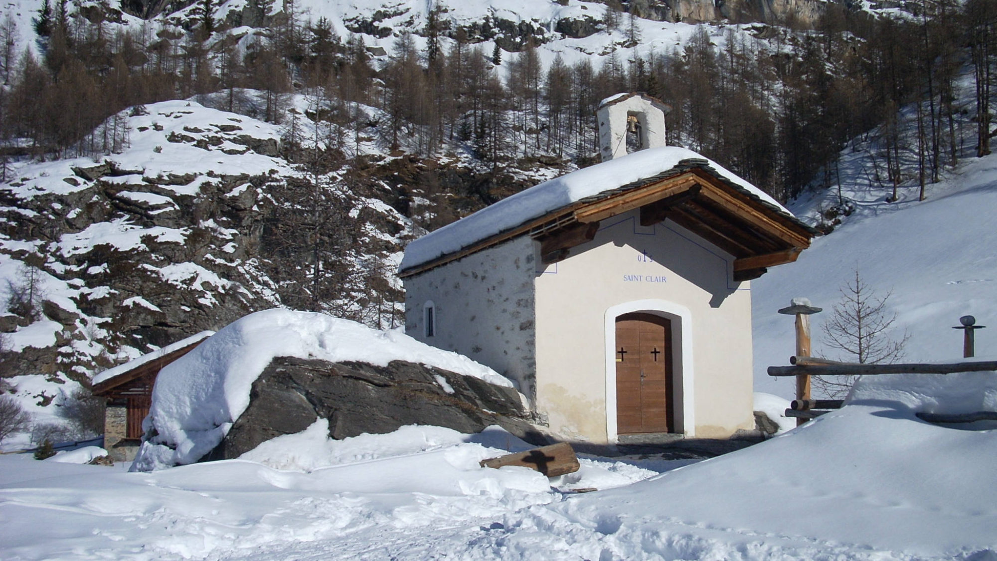 La chapelle Saint-Clair dans le hameau du Monal