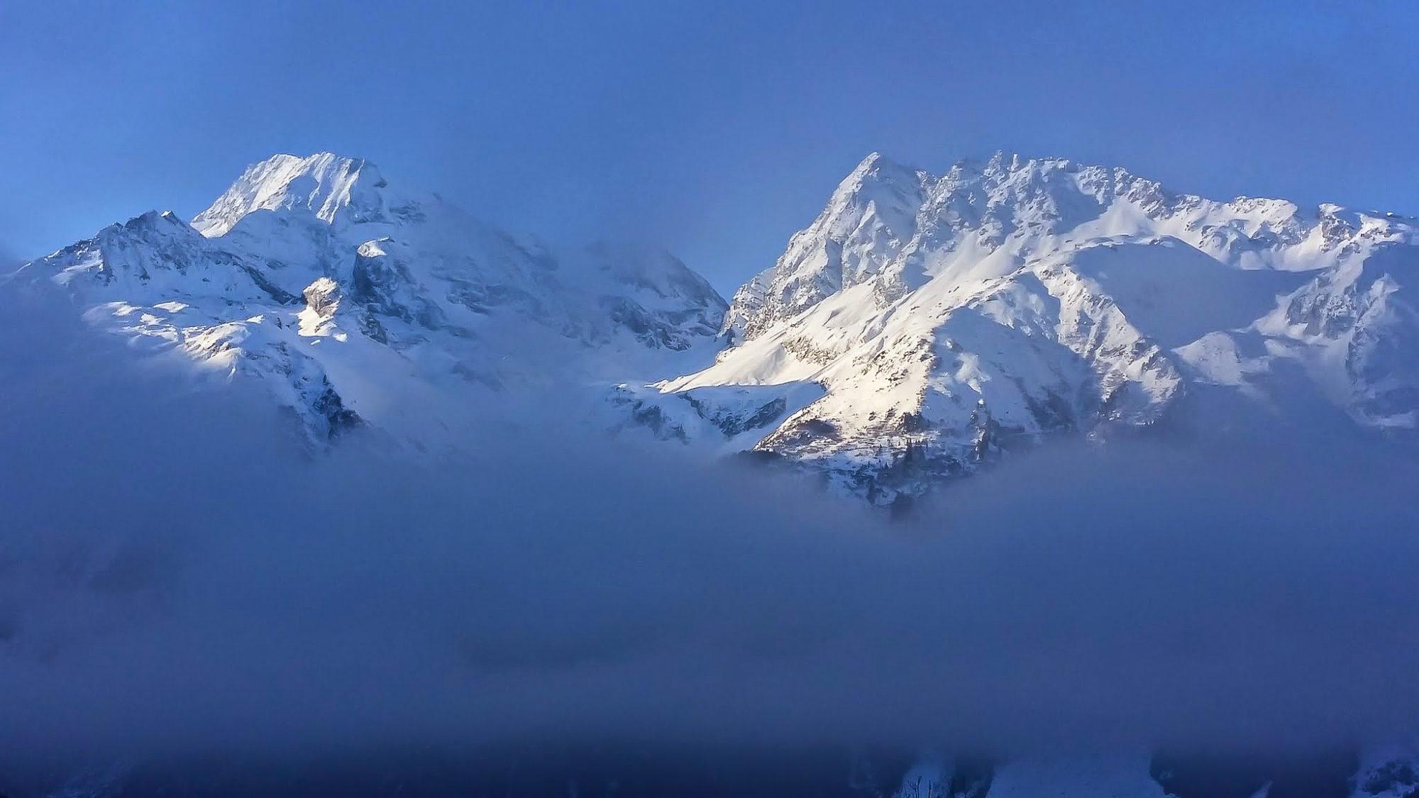 Une vision presque himalayenne sur le Mont-Pourri, la face nord de Turia et l'aiguille Rouge