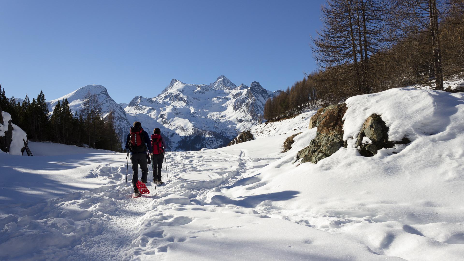 Raquettes dans le Val d'Aoste en Italie