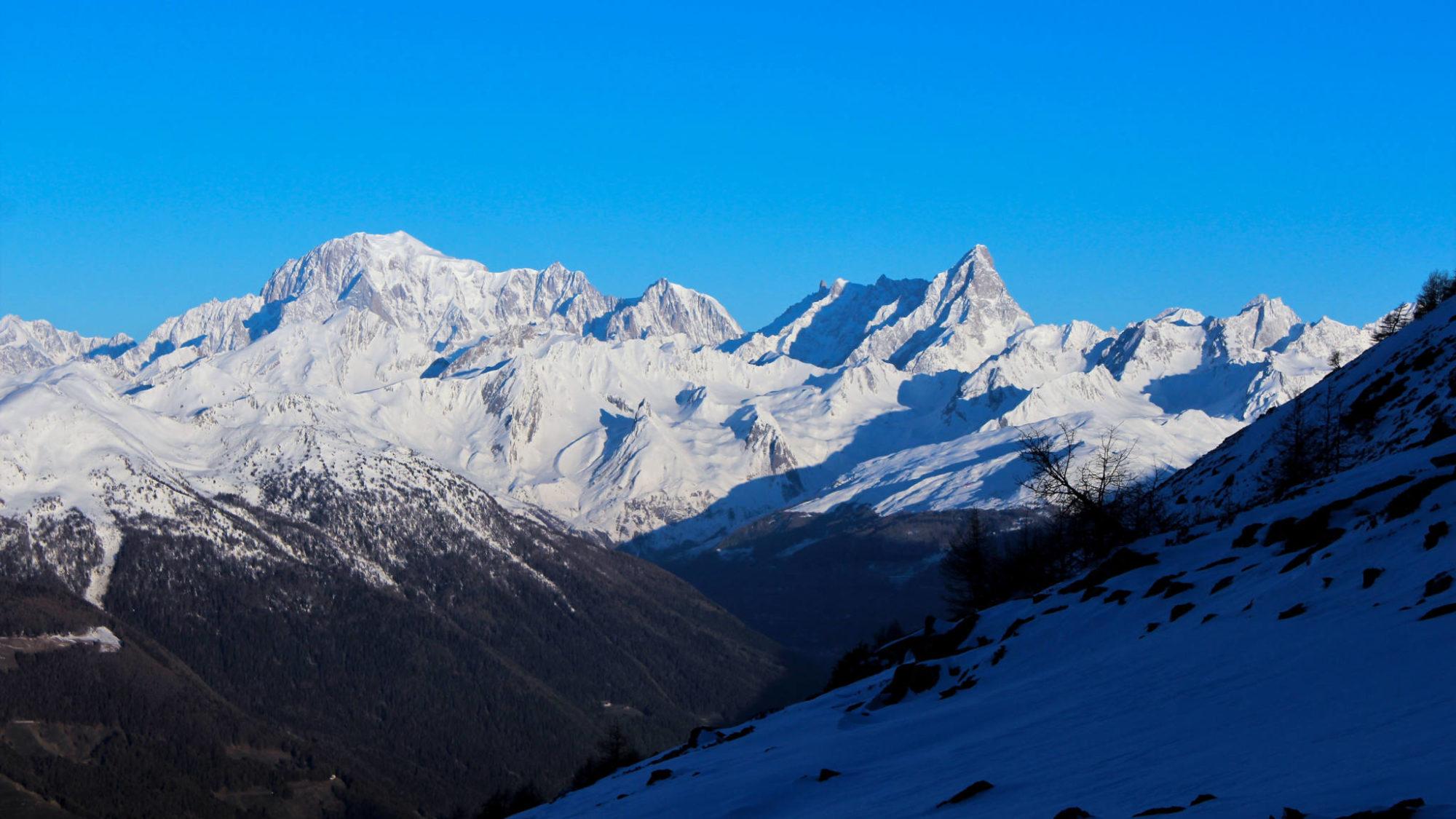 Plein cadre sur le versant italien du Massif du Mont Blanc