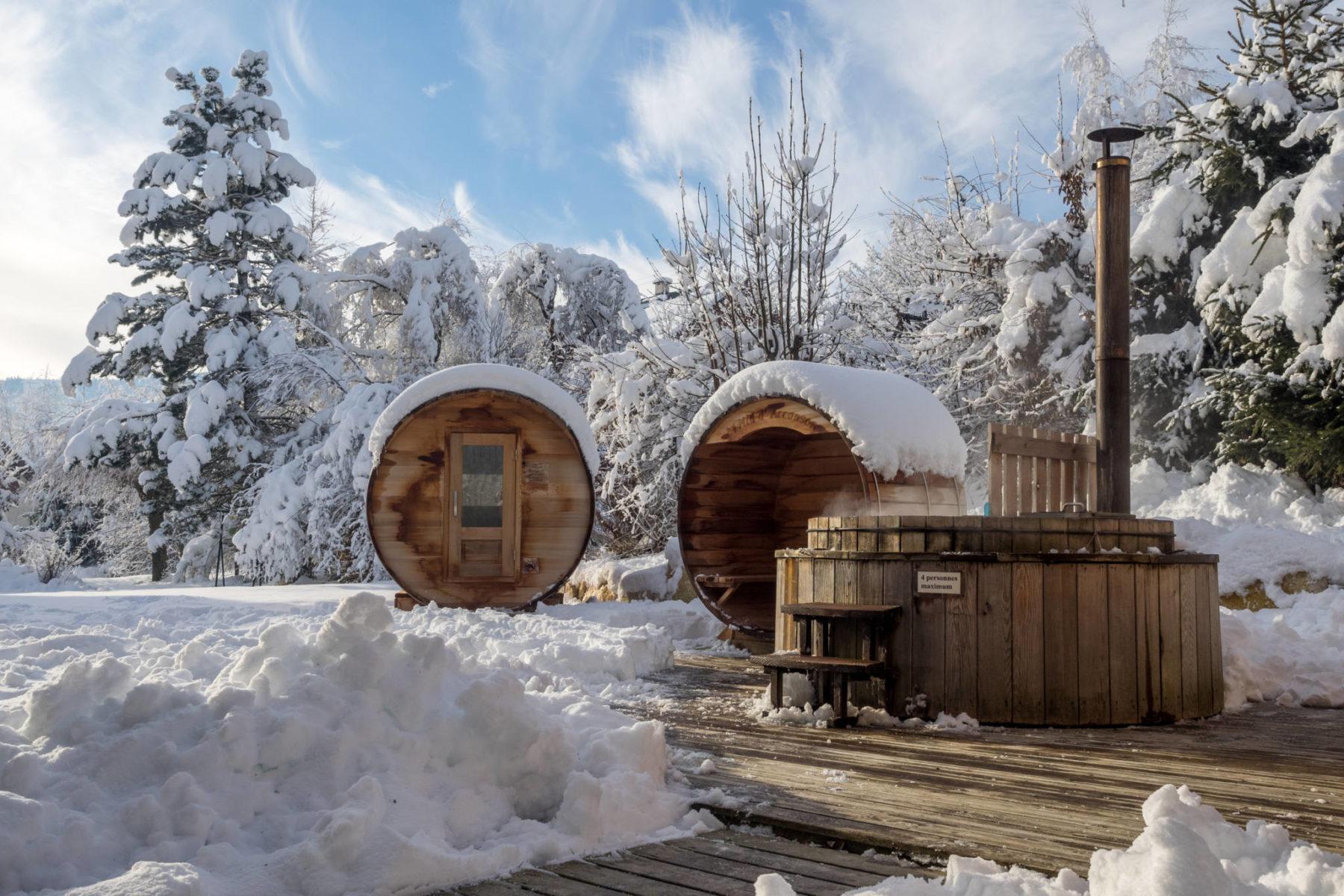Le Størvatt, bain nordique chauffé au feu de bois