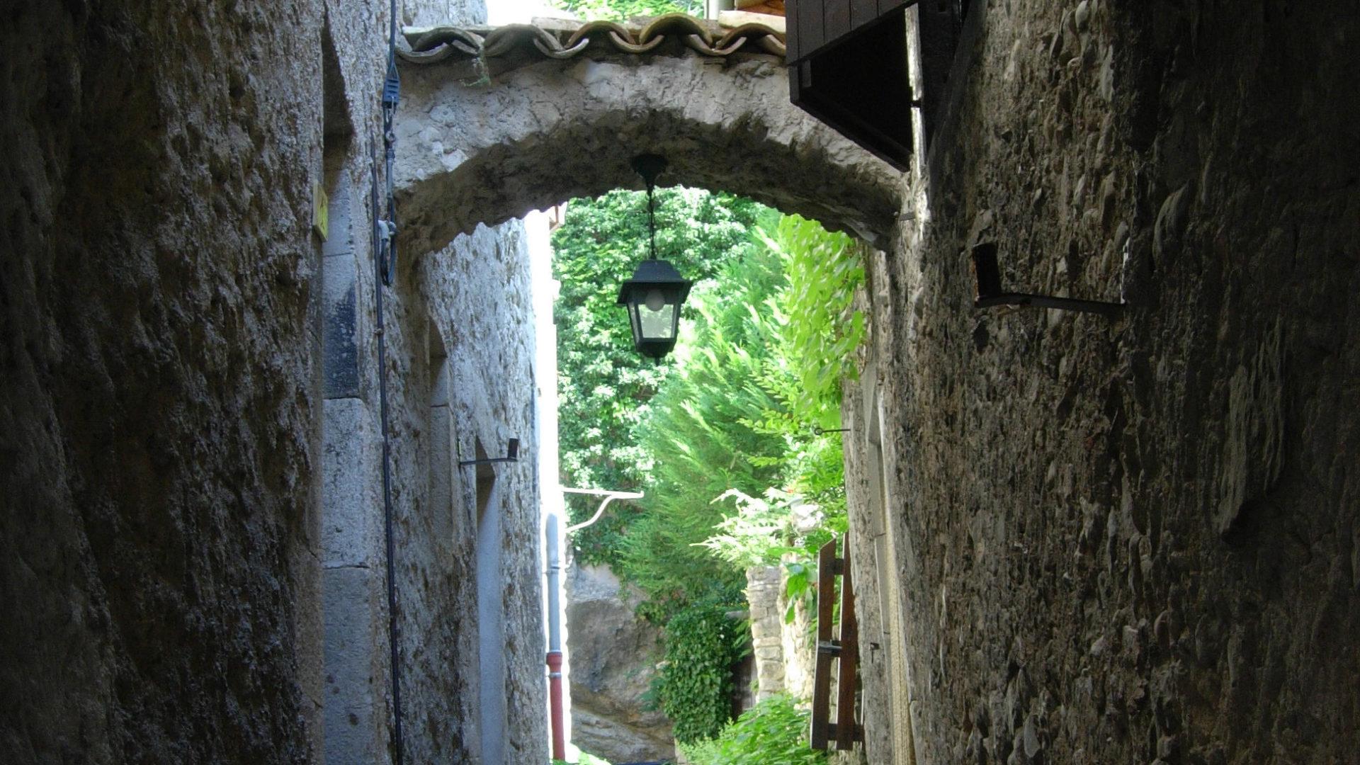 Ruelle du village de Châtillon en Diois