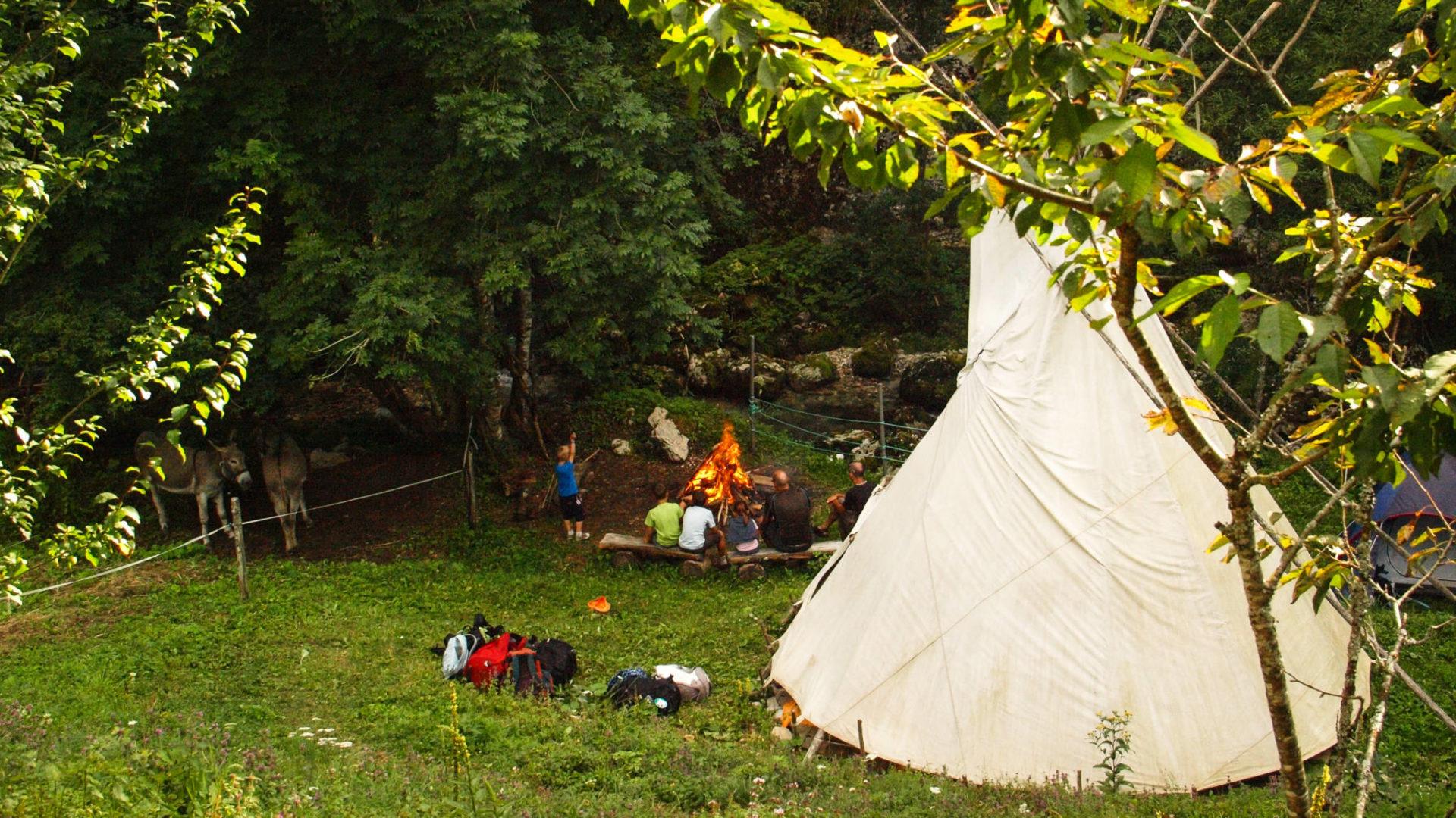 En famille en Chartreuse, bivouac au bord de la rivière